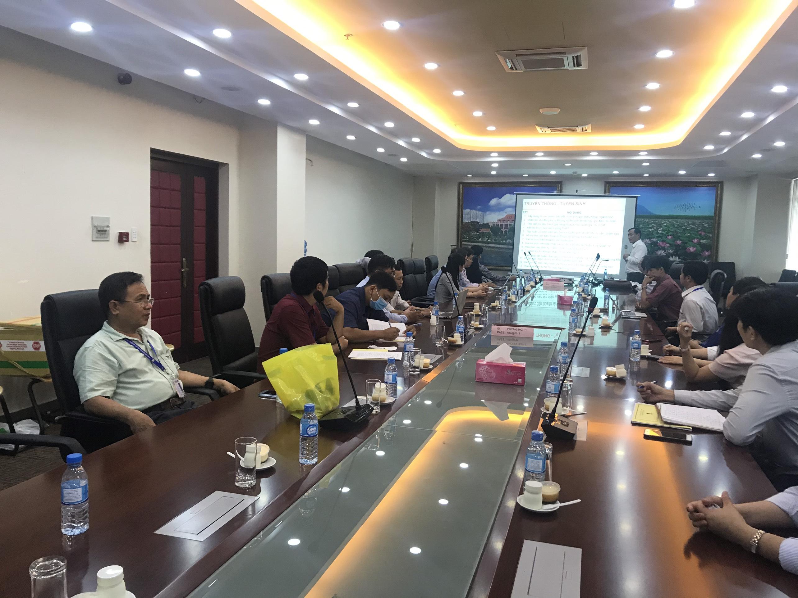 Tập huấn nâng cao hoạt động về Nghiên cứu Khoa học về CNTT và truyền thông.