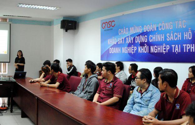 SV Khoa CNTT tham quan Công ty GO-IXE